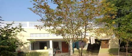 10 acres of agricultural land & houses are available for sale in Shahpur Sargodha